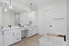 016_primary_bathroom