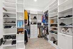 017_primary_closet
