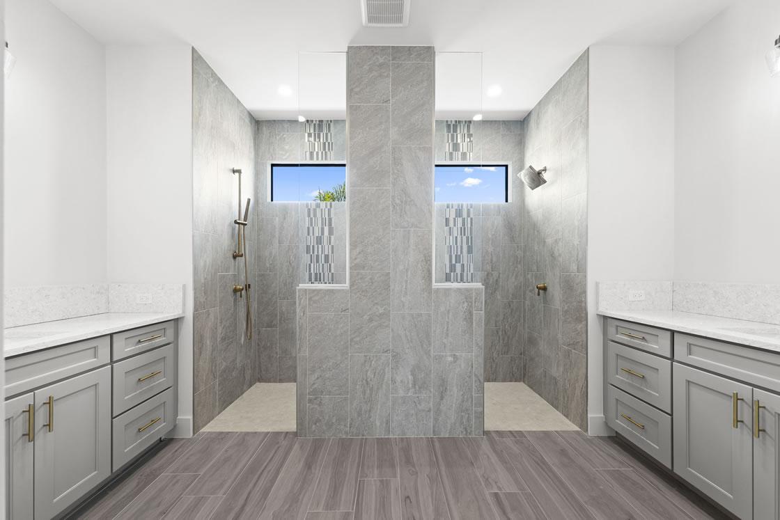 024_master_bathroom_1_of_2