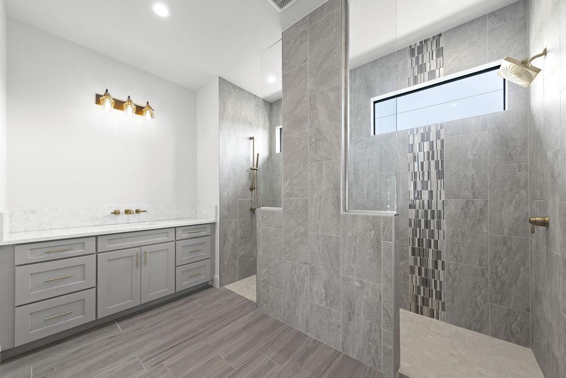 026_master_bathroom_1