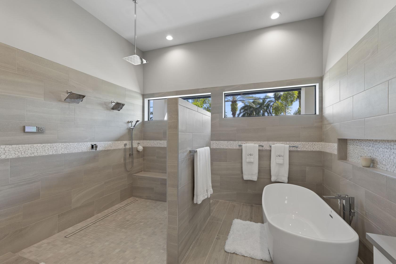Master Bathroom 3 of 6