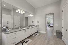 Master Bathroom 4 of 6
