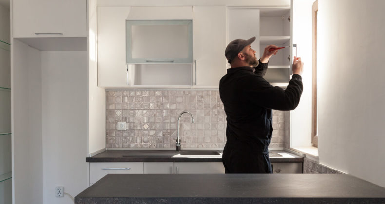 Home Contractor Remodeling Kitchen